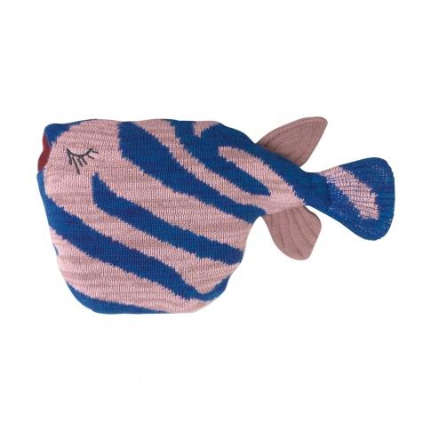 Fotografia, na której jest Poduszka ryba TIGER FISH Fruiticana - ferm LIVING