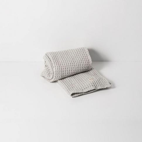 Fotografia, na której jest Ręcznik do rąk - jasny szary - ferm LIVING