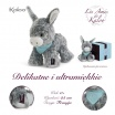 Fotografia, na której jest Kaloo Osiołek Popielaty w pudełku 25 cm kolekcja Les Amis
