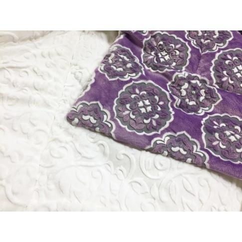 Fotografia, na której jest Koc Rosetta Violette Bianco - MAYLILY