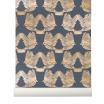 Fotografia, na której jest Tapeta skandynawska BIRDS Deep Blue/Gold - ferm LIVING