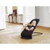Fotografia, na której jest BABYBJORN - leżaczek BALANCE SOFT - Czarny / Ciemnoszary + Zabawka