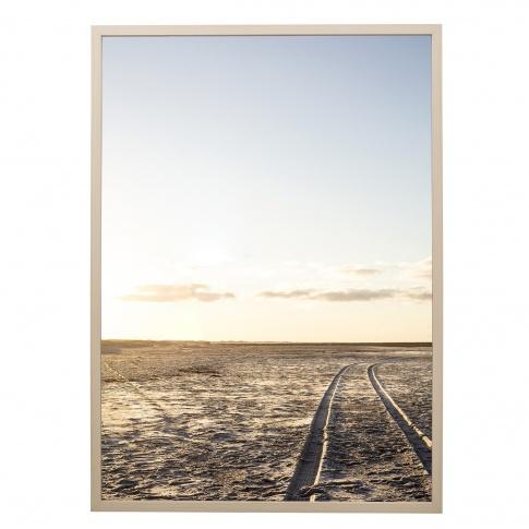 Fotografia, na której jest Obrazek w ramie NATURA / ŚLADY (50x70) - Bloomingville