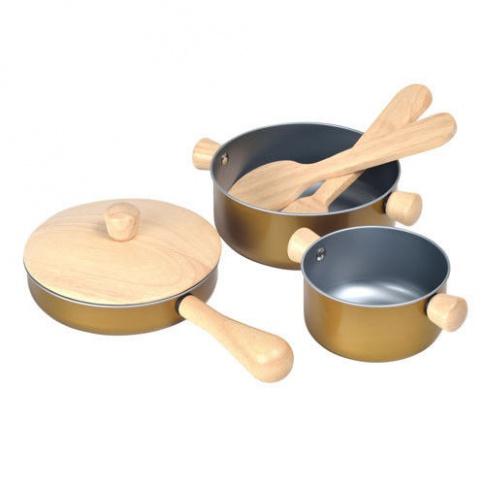 Fotografia, na której jest Garnki i akcesoria do zabawy w gotowanie, Plan Toys®