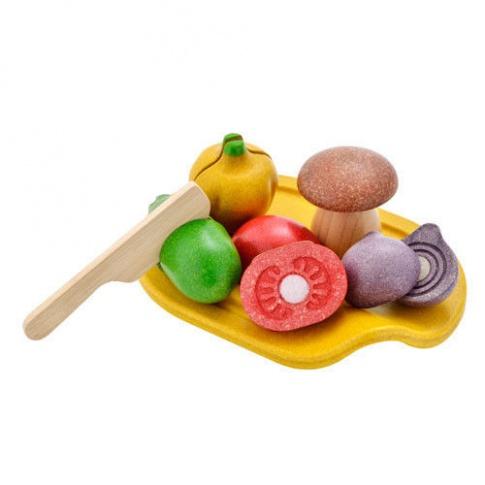 Fotografia, na której jest Drewniane warzywa z deską do krojenia, Plan Toys®