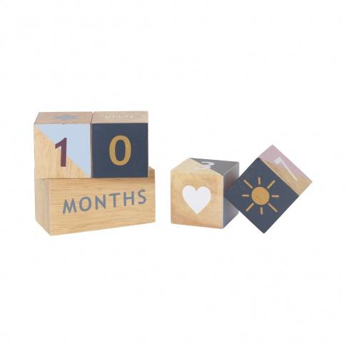 Fotografia, na której jest Kalendarz drewniany KLOCKI - ferm LIVING