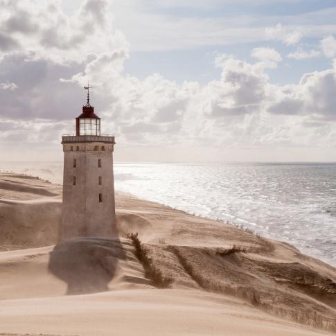 Fotografia, na której jest Fototapeta REBEL WALLS | SCANDINAVIA Lighthouse
