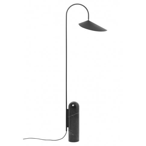 Fotografia, na której jest Lampa podłogowa ARUM czarna - ferm LIVING