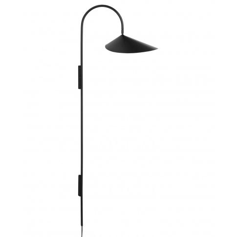 Fotografia, na której jest Lampa ścienna ARUM wysoka czarna - ferm LIVING