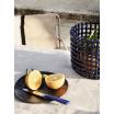 Fotografia, na której jest Kosz ceramiczny - ferm LIVING | blue